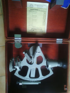 Freiberger navy sextant with high precision Carl Ziess optics