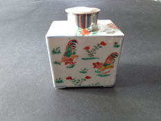 Verte tea canister, rooster decoration - China - 18th century
