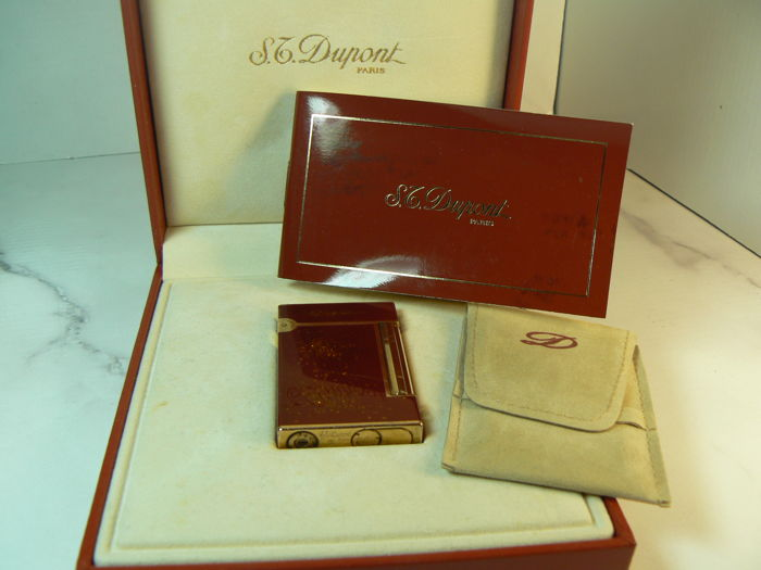 Dupont lighter line D, Chinese lacquer (gold glitters)
