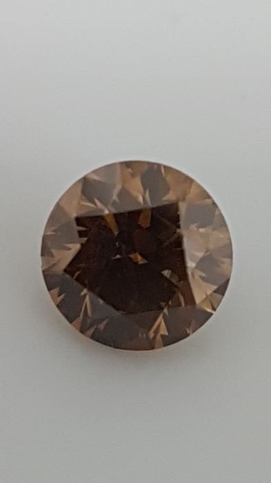 0.57 ct - Round Brilliant - Brown - VVS2
