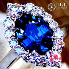Sapphire Ring 1.67 ct Cocktail Diamond And Natural CEYLON BLUE SAPPHIRE Gemstone in 18 kt white gold Size 6.5 US / 17 / 53 EU – Certified – No Reserve Price