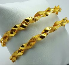 13.50g , 2 Helix Bangle Set, 22 Ct Gold  *** LOW RESERVE PRICE ***