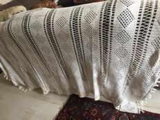 Crochet tablecloth / bedspread