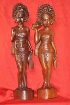 Two large maids of honour bali - indonesia - second half 20th century (63 and 55 cm)