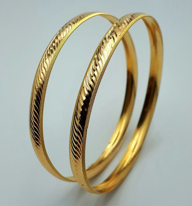 8g,  Double Bangle Set, 22 Ct Gold, Diameter:6.4cm, Total Weight 8.15g,