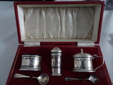 Cassette with English silver cruet set, i.a. Birmingham, 1958