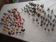 Collection with 115 x figures of knights/cowboys/native Americans from approx. 1960-1980