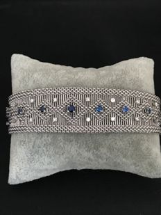 White gold bracelet (18 kt) with diamonds and sapphires
