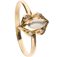 18 k Yellow gold ring set with cultured pearl and zirconia - ring size: 16 mm