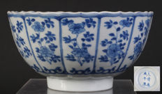 Blue and white porcelain Kangxi bowl, marked - China - 17th century
