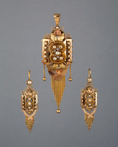 Napoleon III, set of earrings and pendant-brooch, 18k gold and pearls