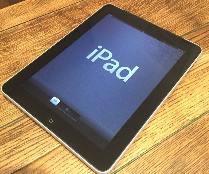 apple ipad 1st generation 64gb wifi and 3g unlocked with. Black Bedroom Furniture Sets. Home Design Ideas