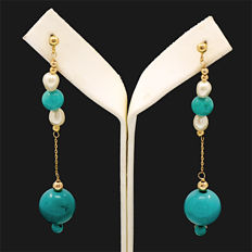 18kt/750 yellow gold earrings with turquoises and cultured pearls – Length 58 mm.