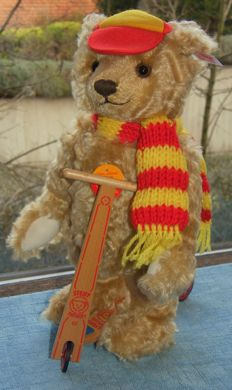 Steiff teddy bear with wooden roller from a limited series #671142 NEW - Germany