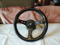 BMW sports steering wheel 70s, complete with hub and horn, diameter 33 cm