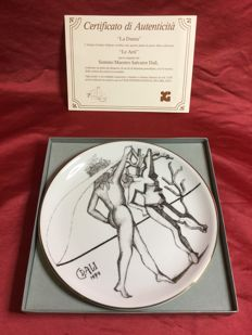 "Salvador Dali, porcelain collectible plate: ""Le arti: La danza"" 1979"