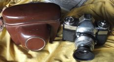 Old camera ZEISS IKON CONTAFLEX 861/24 Synchro Compur TESSAR 2.8/50 with leather bag