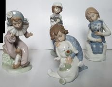 4 Nao (Lladro) figurines - Children with dog and bear