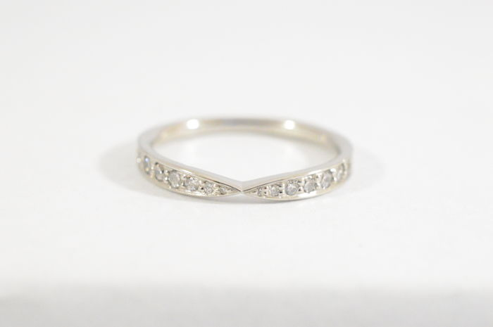 Tiffany & Co - Platinum Harmony wedding band with diamonds