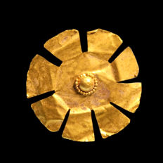 Greek Large Ornamental Rosette, 3.4 cm D / Gold, 1.3 grams