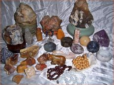 Huge Collection of Minerals - Cut, Polished and Natural Stones - 40 to 180 mm - 6.400gm (32)