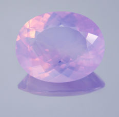 """""""Lavender"""" amethyst - Lilac with opal sparkles - 29.45 ct"""