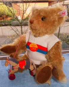 Steiff teddy bear with horse on a string from limited edition #671173 NEW - Germany