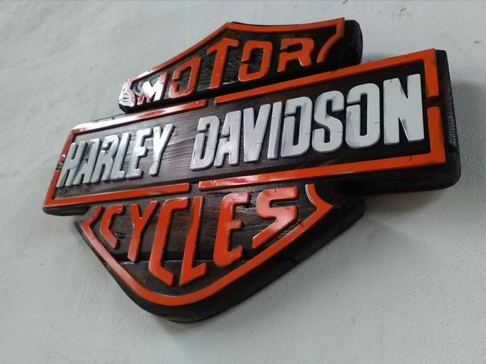 harley davidson logo en bois vintage en fer catawiki. Black Bedroom Furniture Sets. Home Design Ideas