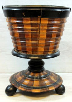 Barrelled mahogany tea oven with copper bucket - The Netherlands - 19th century