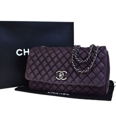 Chanel - Large Flap quilted shoulder bag with chain strap