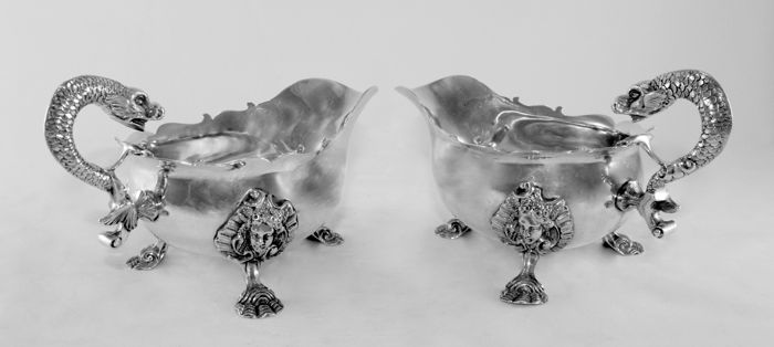 An impressive pair of silver creamers - William Comyns & Sons Ltd - London - 1930