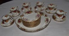 Royal Albert, Old country roses, cake set, 13 piece + 6 coffee cups and saucers