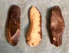 Mid - Paleolithic lot of three , important , large artifacts -  92 / 90 / 91 mm  (3)