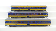 Märklin H0-42644/42645/42646 - Three intercity carriages of the NS with lighting.