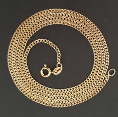 Necklace in 18 kt yellow gold composed of curb links - Length: 64 cm.