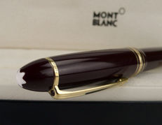 Montblanc Document Marker 166 in a case - Maroon colour