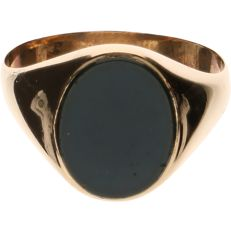 14 kt yellow-gold signet ring, set with onyx - ring size: 22 mm