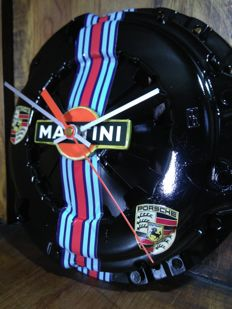 Elegant PORSCHE - MARTINI BLACK clock decoration 21st century