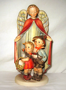 Hummel Goebel - No. 88/II - Schutzengel / Heavenly Protection - Largest edition 23.5 cm