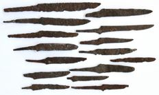 A selection of 15 Iron knives,  Viking period - 61  / 143 mm (15)