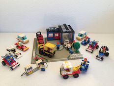 Lego Town - 1966 + 1612 + 6528 (2x) + 6605 (2x) + 6502 + 6634 (2x) + 6604 + 6610 + 6628 - Car Repair Shop, Victory Racer, Sand Storm Racer (2x), Road Racer (2x), Turbo Racer, Stock Car (2x), Formula 1 Racer, Gas Pumps, Shell Tow Truck