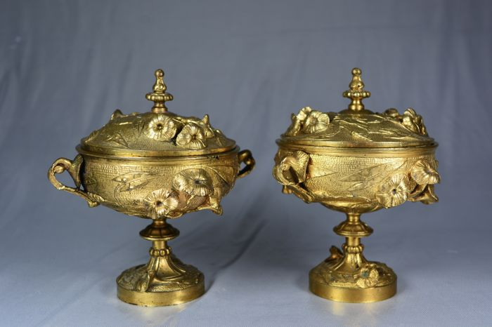 Pair of pots in gilt bronze with bindweed decor - Art Nouveau period