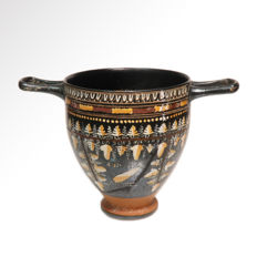 Greek Gnathian Painted Skyphos, 10.6 cm H - 16.3 cm L (with handles)