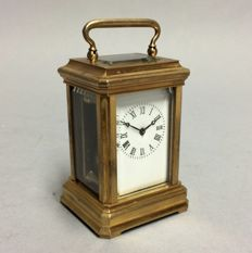 Small brass carriage clock - Classic model - 21st century period