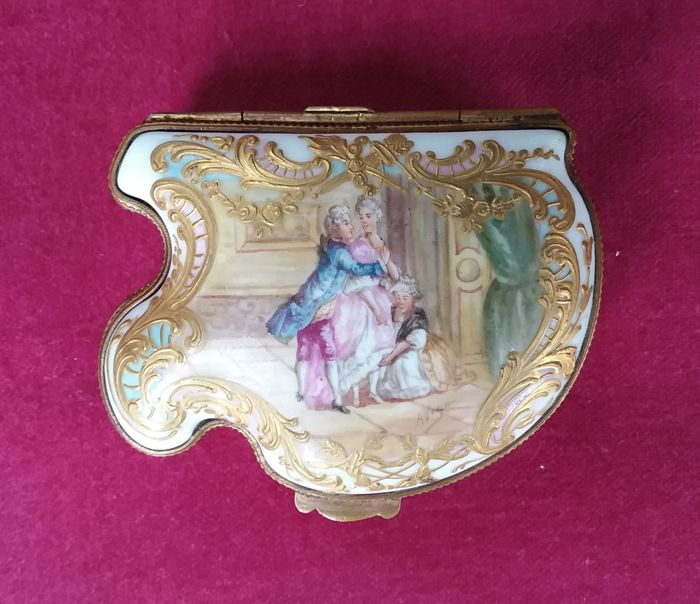 Porcelain tobacco box - Hochst pseudo-brand - Germany