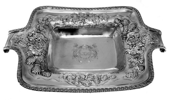 A George III silver dish - Abraham Peterson - London - 1807