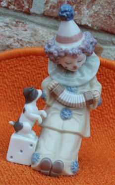 LLADRO by José Puche -  Clown with dog - Pierrot with concertina