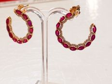 Extraordinary 18 kt yellow gold earrings with 2.70 ct ruby and 0.70 ct of diamonds, VVS E