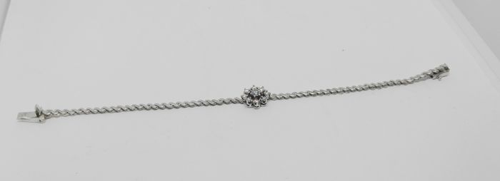 bracelet of white gold - 18 kt - 9 brilliant cut diamonds 1 ct - length 17.5 cm