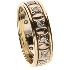 14 kt yellow gold ring set with 13 round brilliant cut diamonds of 0.03 ct each - Ring size: 17 mm